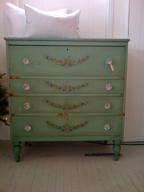 Penney & Co Antique Dresser $